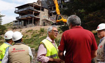 La Comunidad de Madrid inicia la demolición del Club Alpino de Guadarrama y la restauración ambiental