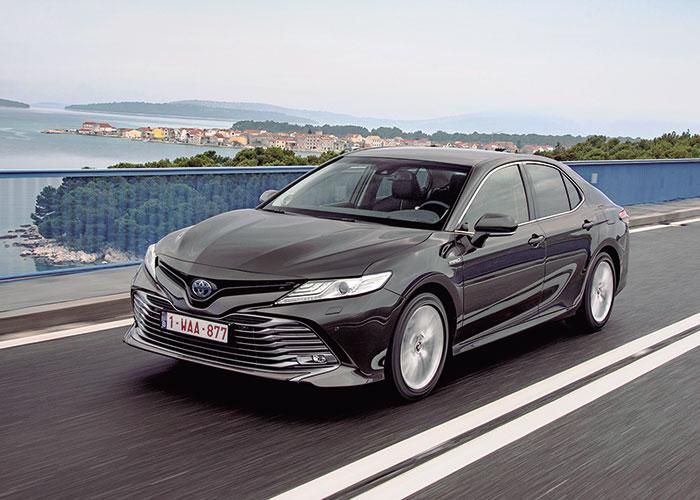 Toyota Camry Hybrid, ya en preventa