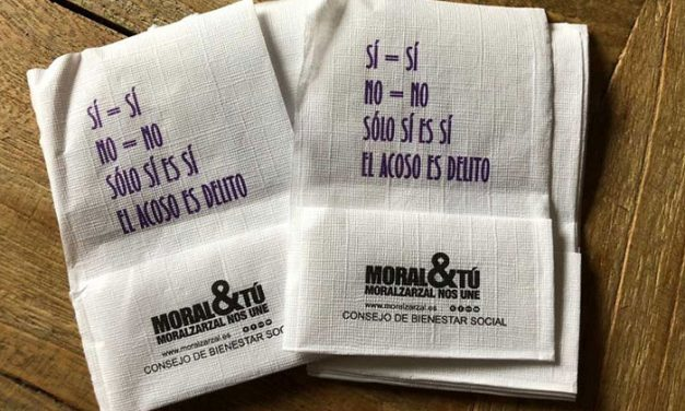 El Ayuntamiento de Moralzarzal reparte servilletas contra el acoso sexual en Fiestas